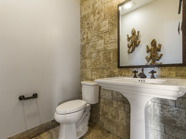 Copy of Bathroom-Two_640x480_2260039